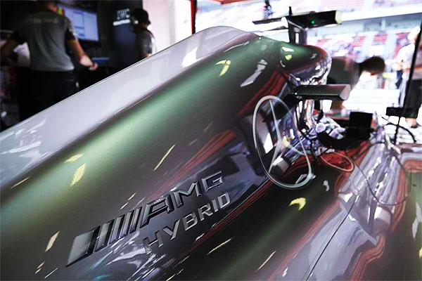 Mercedes-AMG-Petronas-F1-W05-Hybrid