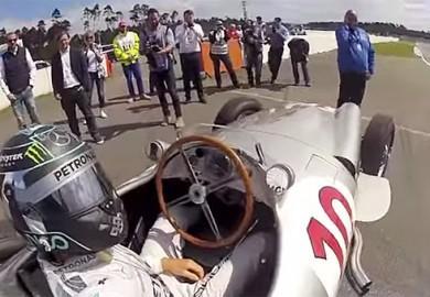 Nico-Rosberg-selfie-Mercedes-W196