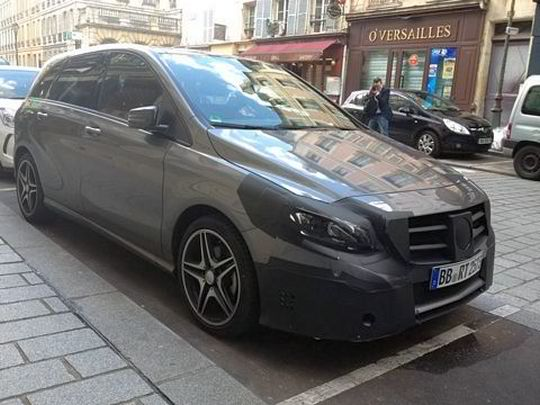 mercedes b class Facelifted Mercedes B Class will Debut at Paris