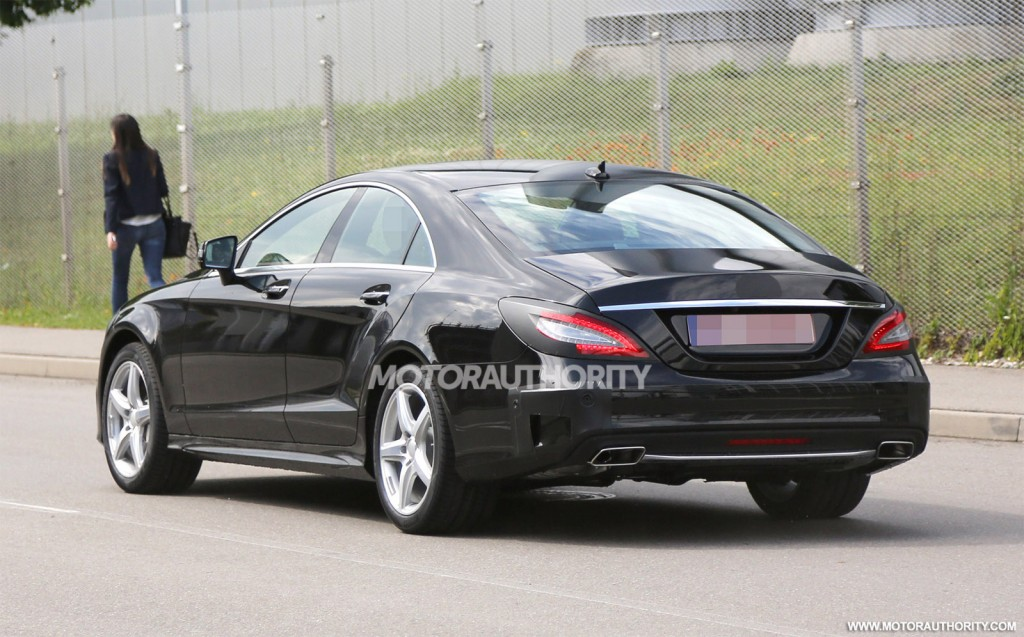 new spy photos of the 2015 mercedes benz cls emerge