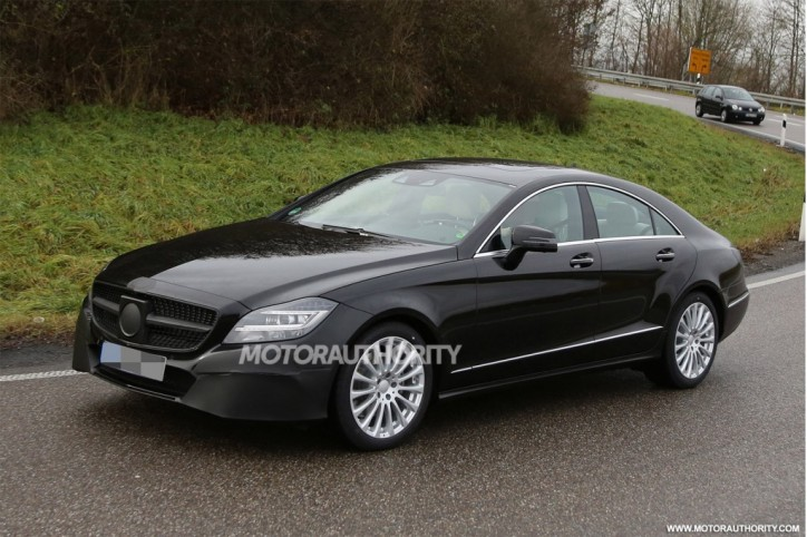 2015 mercedes benz cls 724x482 New Spy Photos of the 2015 Mercedes Benz CLS Emerge