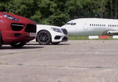 Porsche Cayenne Turbo S Eats The Dust Of The Mercedes-Benz S63 AMG