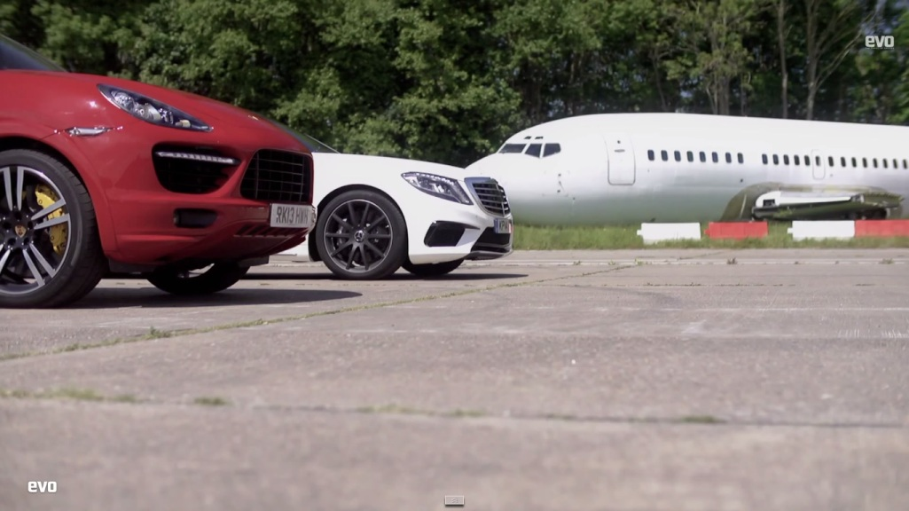 216 Porsche Cayenne Turbo S Eats The Dust Of The Mercedes Benz S63 AMG