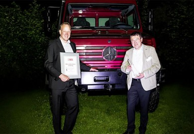 Mercedes-Benz-Unimog-wins-Off-Road-award