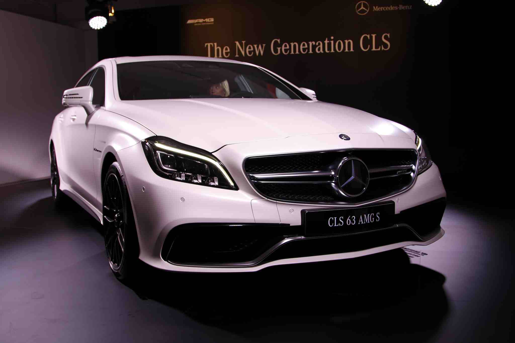 Photos of the New Mercedes-Benz CLS in London Just Before ...