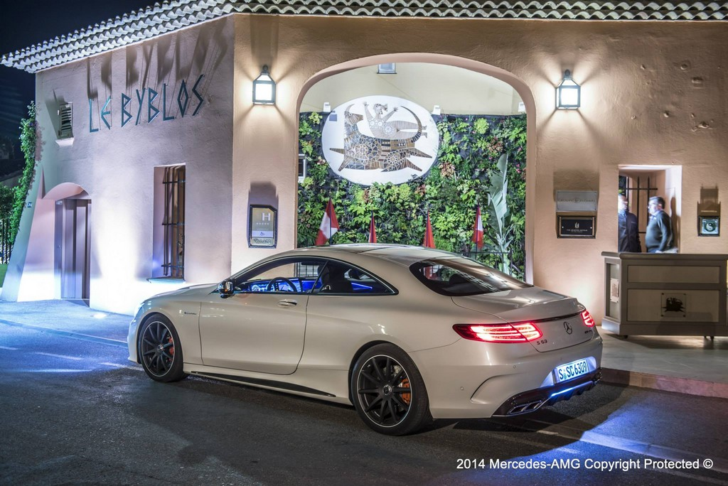 hugo boss photo shoot highlights the mercedes benz s63 amg coupe a mercedes. Black Bedroom Furniture Sets. Home Design Ideas