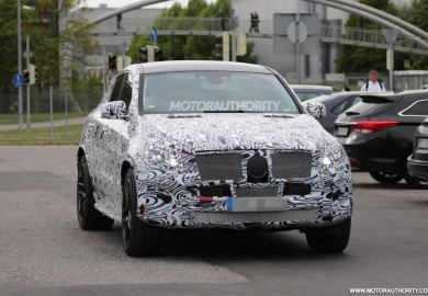 Spy Shots Of Mercedes-Benz ML Coupe Emerges