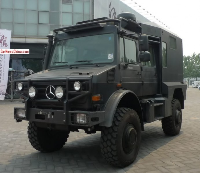 Mercedes unimog u5000 turned into a camper in china for Mercedes benz unimog for sale usa