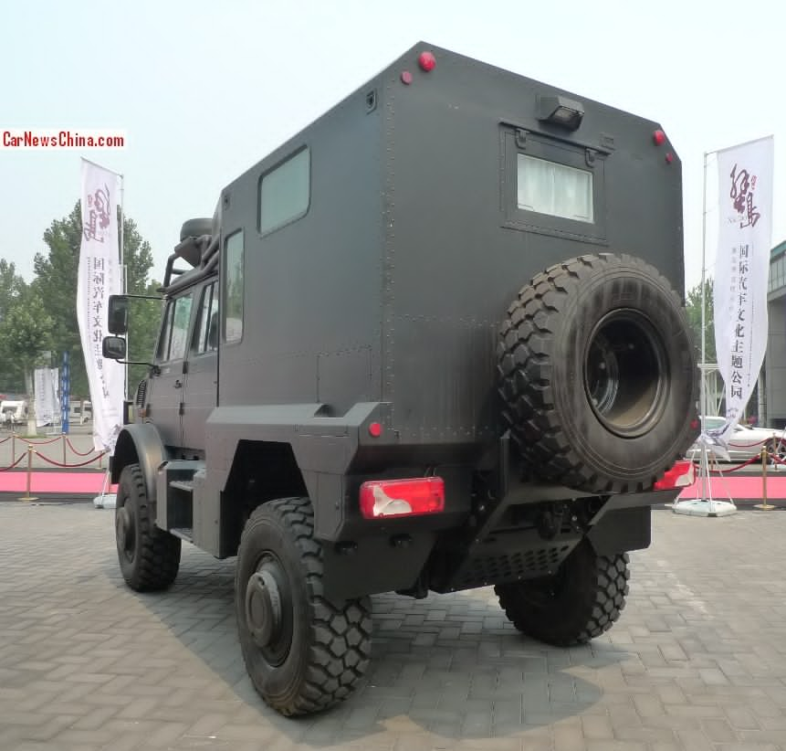 Mercedes Unimog U5000 Turned Into A Camper In China