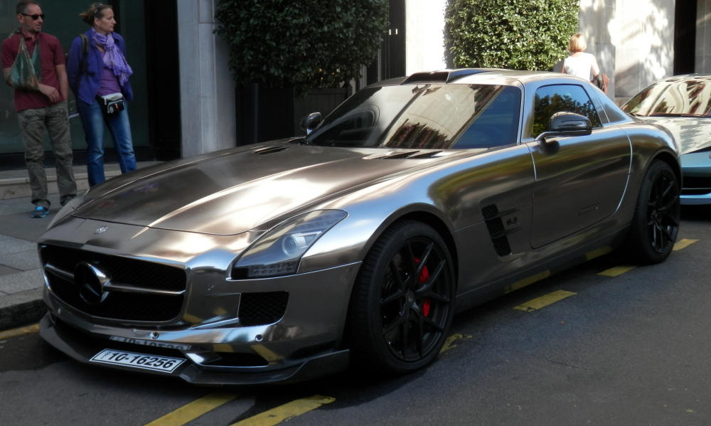 CoolLooking Chrome Wrapped Oakley Design MercedesBenz SLS AMG - Cool mercedes cars