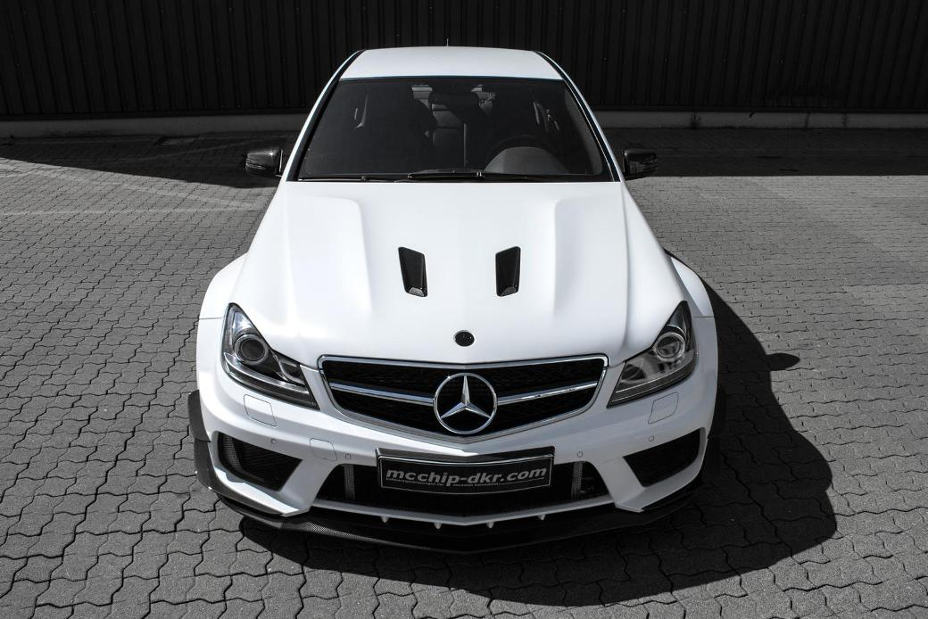 Performance And Design Of Mercedes-Benz C63 AMG Enhanced By Mcchip-Dkr