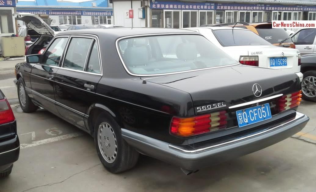 mercedes-benz 560 SEL (1)