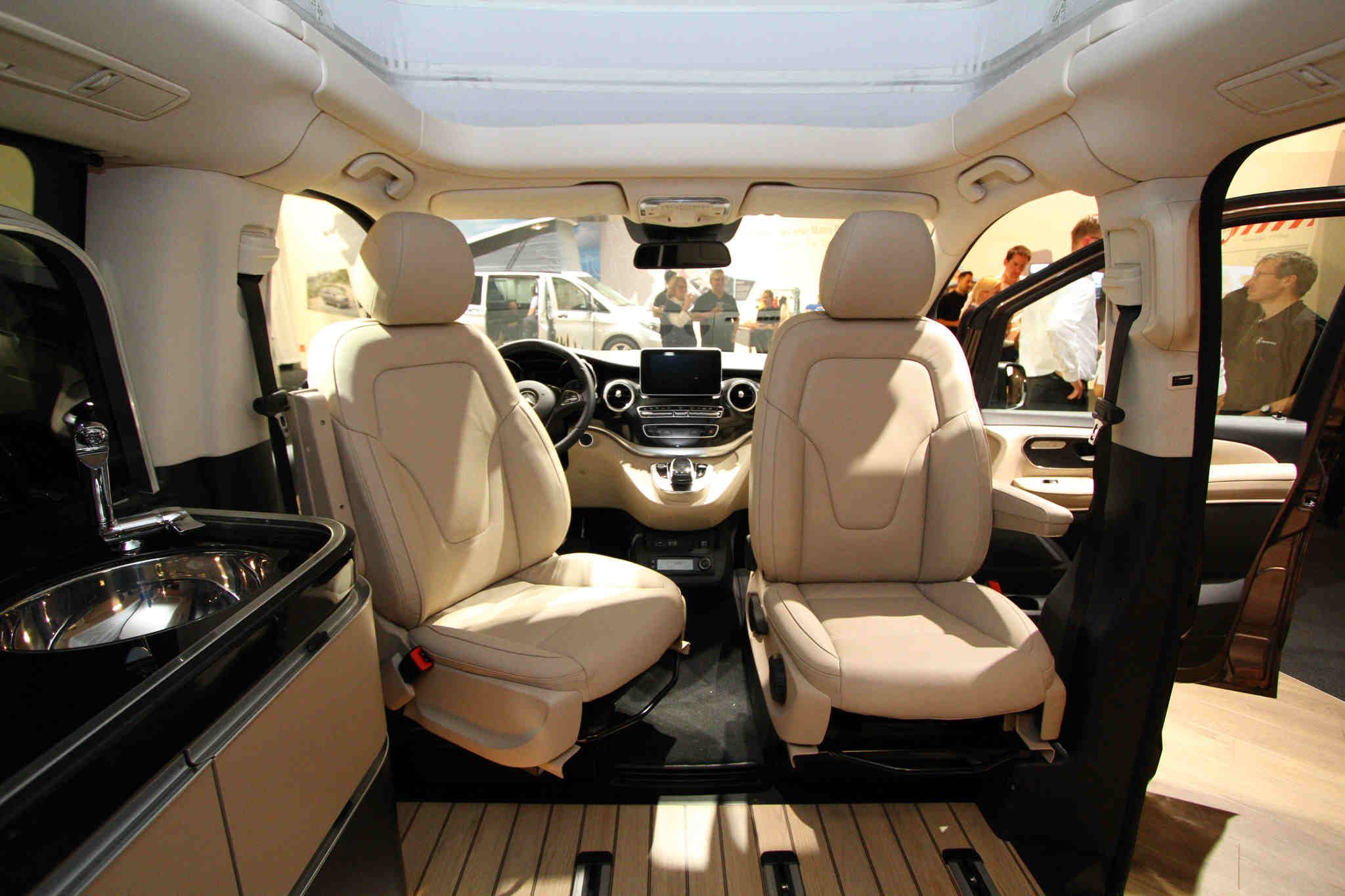 mercedes marco polo auto cars. Black Bedroom Furniture Sets. Home Design Ideas