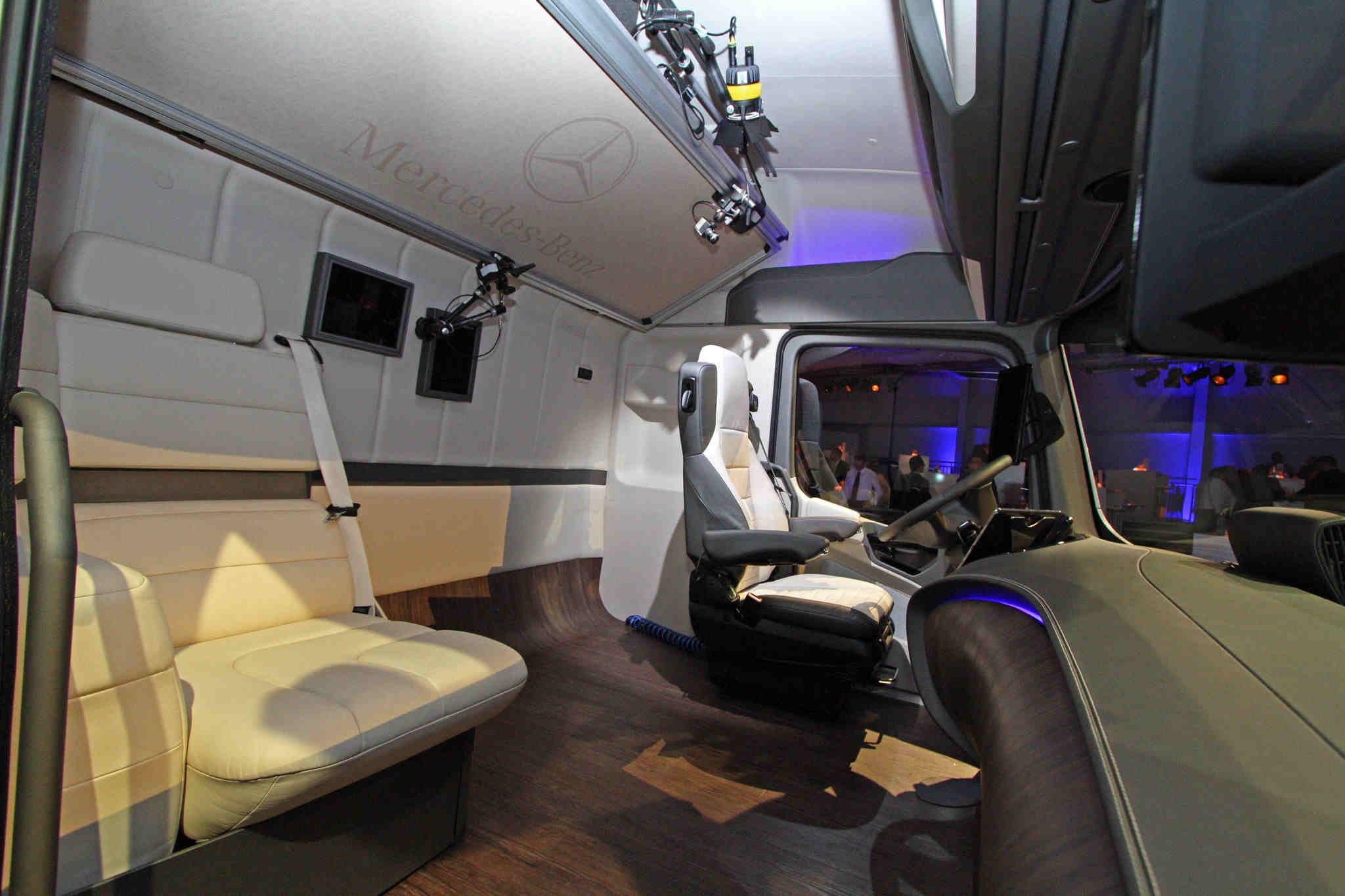 mercedes-benz future truck 2025 makes its debut at the iaa