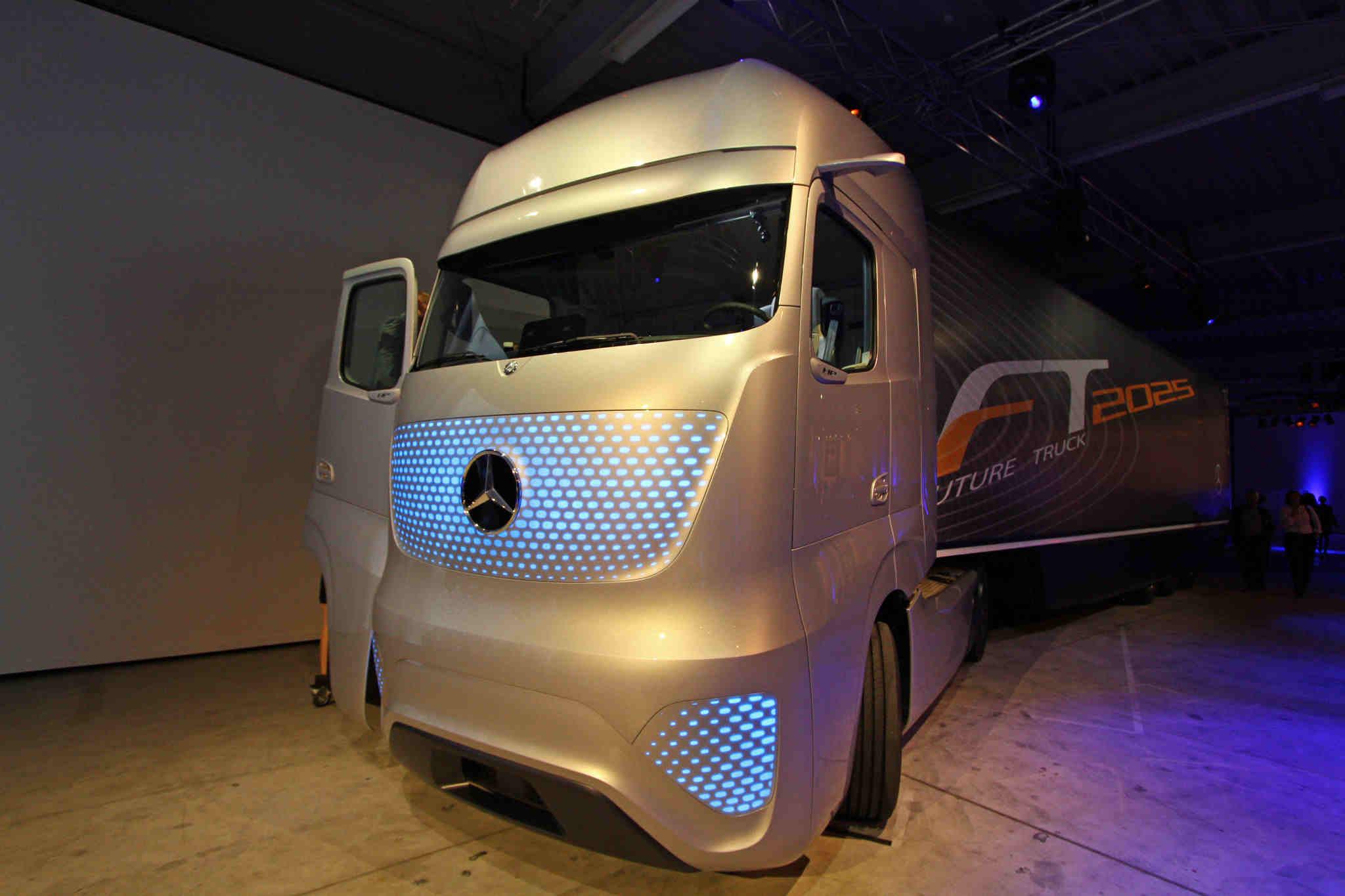 Mercedes Benz Future Truck 2025 Makes Its Debut At The Iaa
