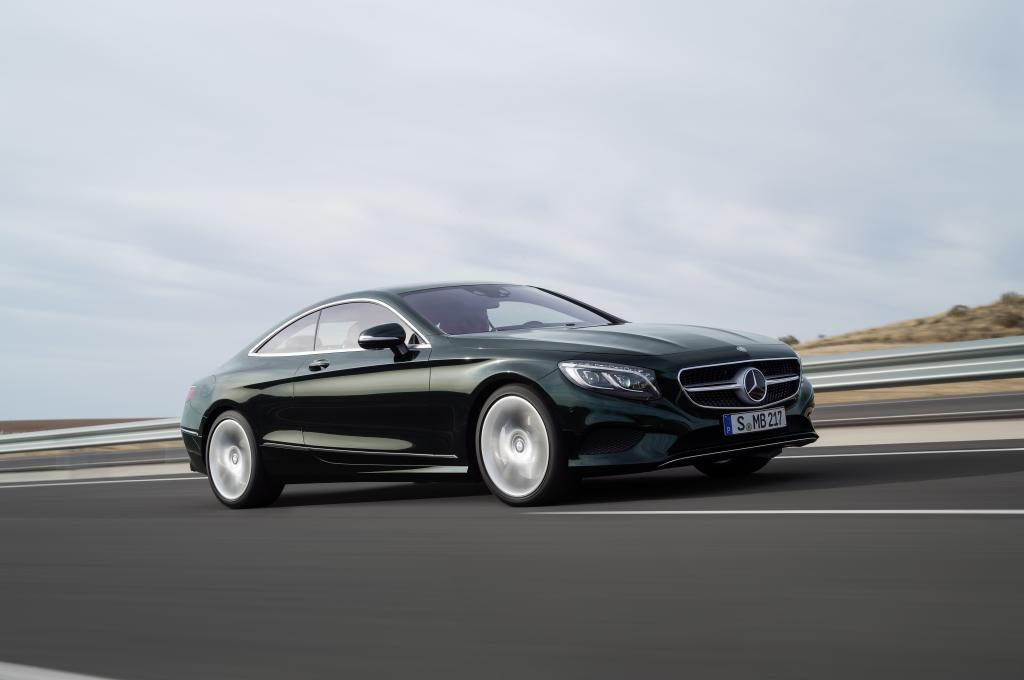 Mercedes benz notches record sales in october for Mercedes benz worldwide sales figures