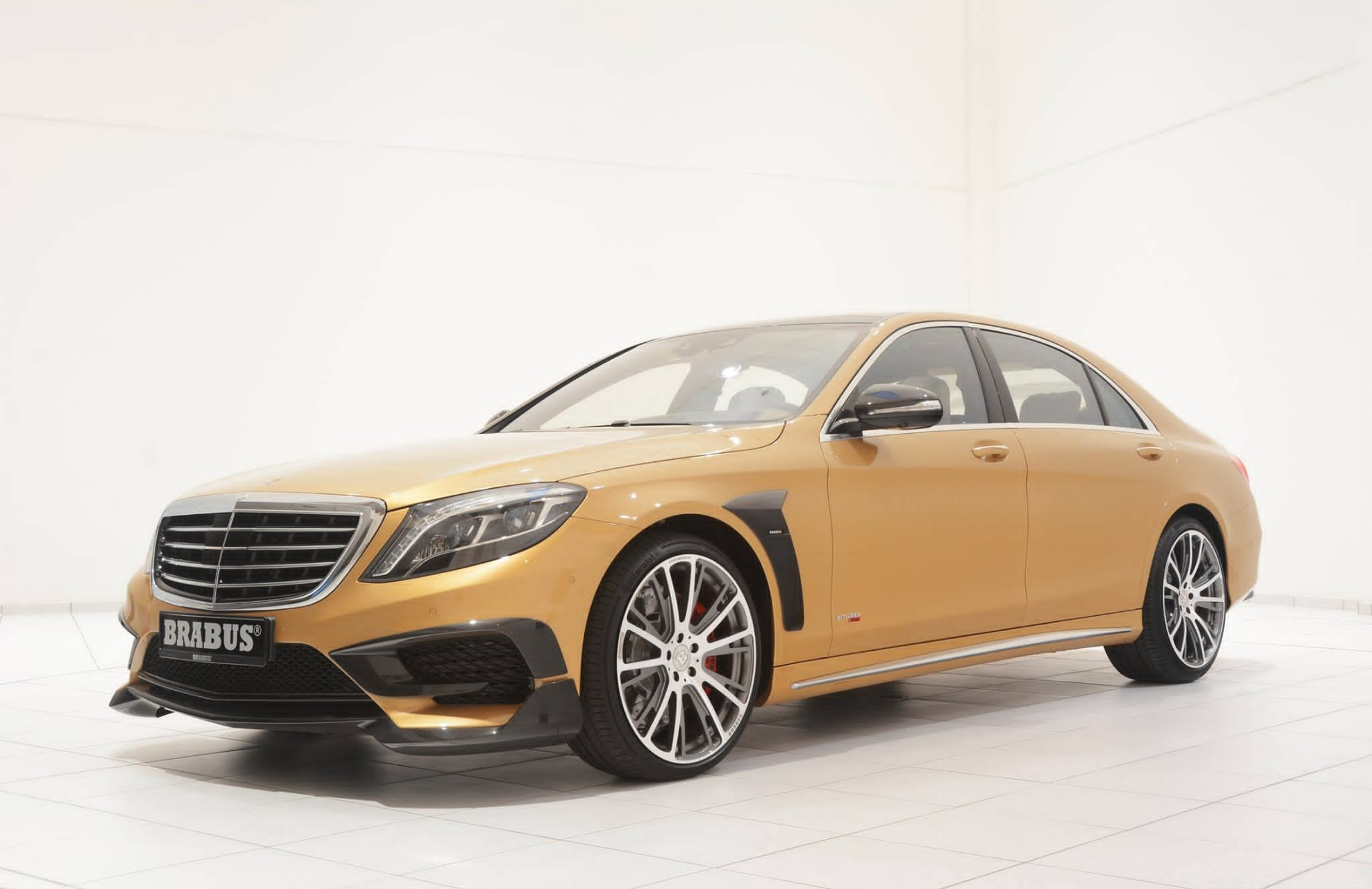 Brabus 850 mercedes s63 amg unveiled a for Mercedes benz brabus amg