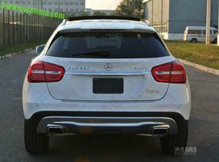 Auto buzz spy shots reveal the china made mercedes for Mercedes benz china