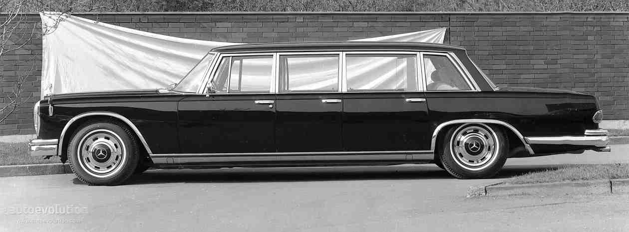 tbt thursday presenting the 1964 mercedes benz 600 pullman. Black Bedroom Furniture Sets. Home Design Ideas