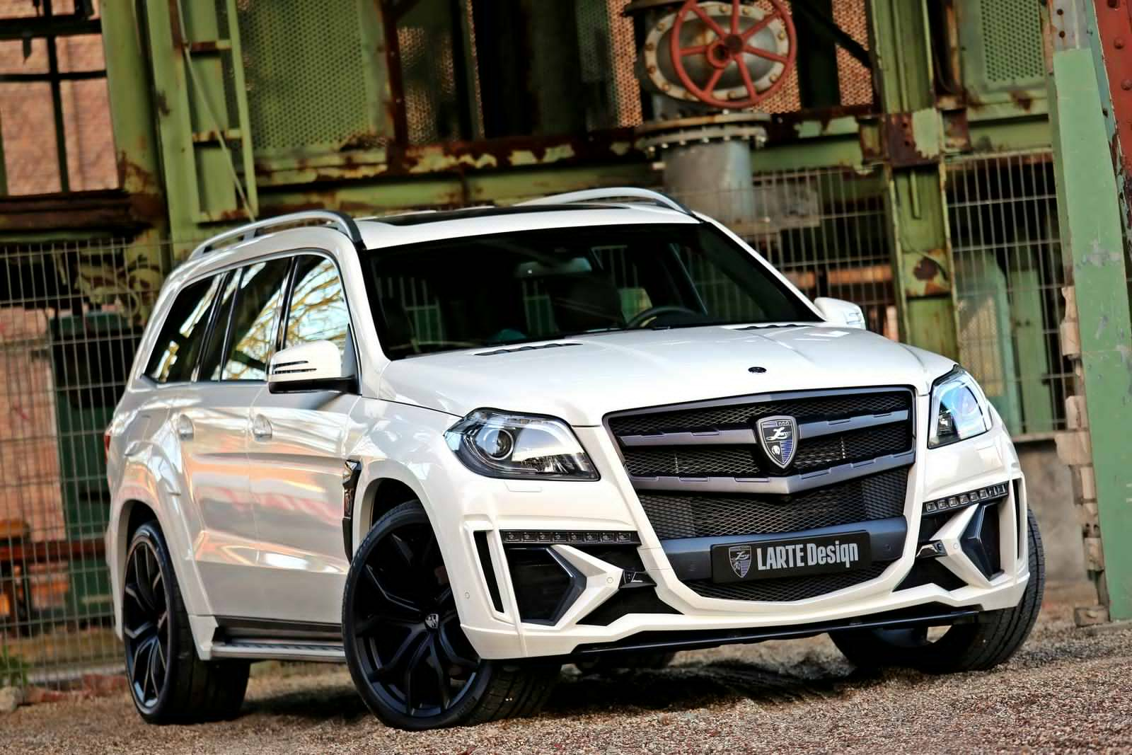 New Photos Of The Black Crystal Mercedes Benz Gl Released