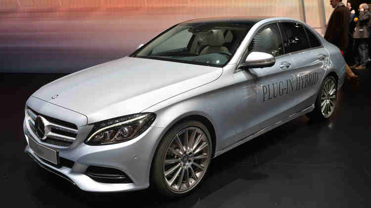 2016 mercedes benz c350e debuts in the geneva motor show. Black Bedroom Furniture Sets. Home Design Ideas