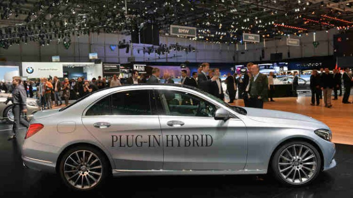 Mercedes targets 10 plug in hybrid cars by 2017 for 2017 mercedes benz s550 plug in hybrid