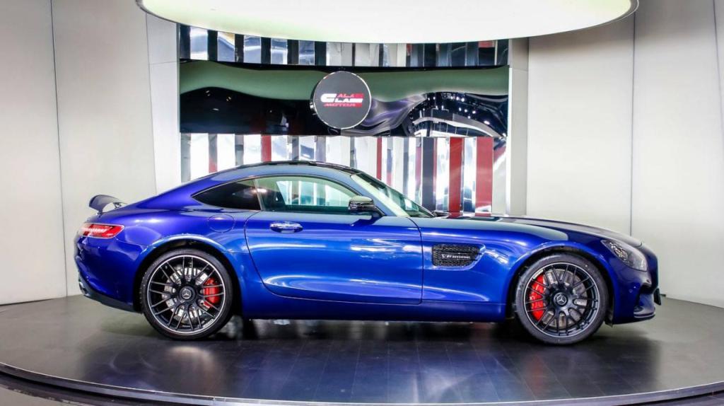 Exquisite Looking Blue Mercedes Amg Gt S Benzinsider Com