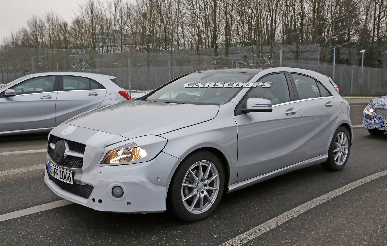 Let 39 s examine the facelifted 2016 mercedes a class in out for Mercedes benz r class 2016