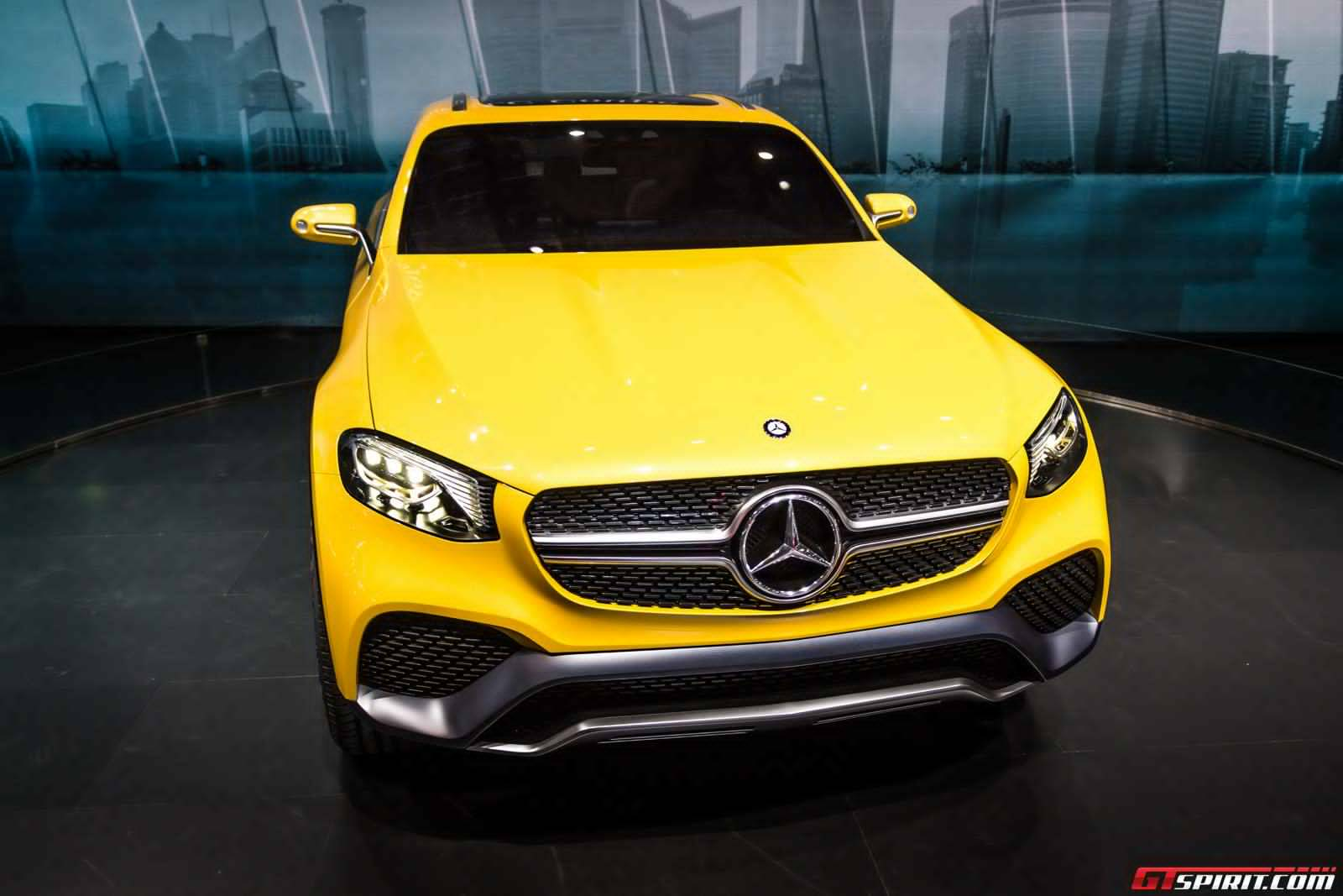 Live photos of the mercedes benz glc coupe concept for Mercedes benz star motors