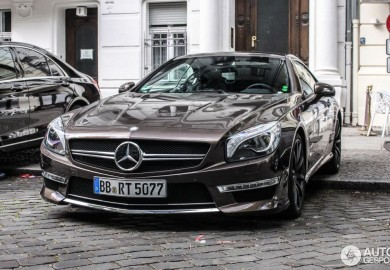 Paint Job Makes This Mercedes-Benz SL65 AMG Stand Out In The Crowd