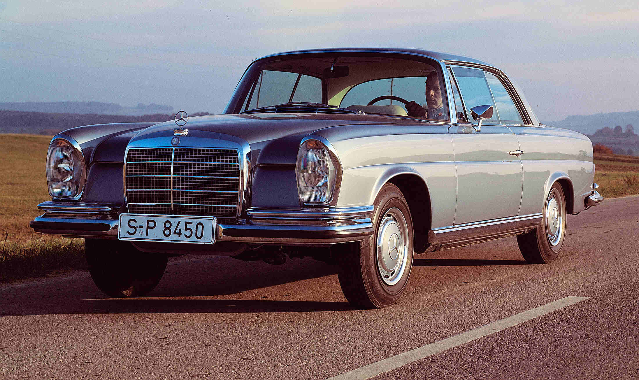 why you should own a mercedes benz 280se 3 5 coupe. Black Bedroom Furniture Sets. Home Design Ideas