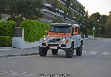 Mercedes-Benz G500 4×4² With Crazy Color Theme Seen in The Open