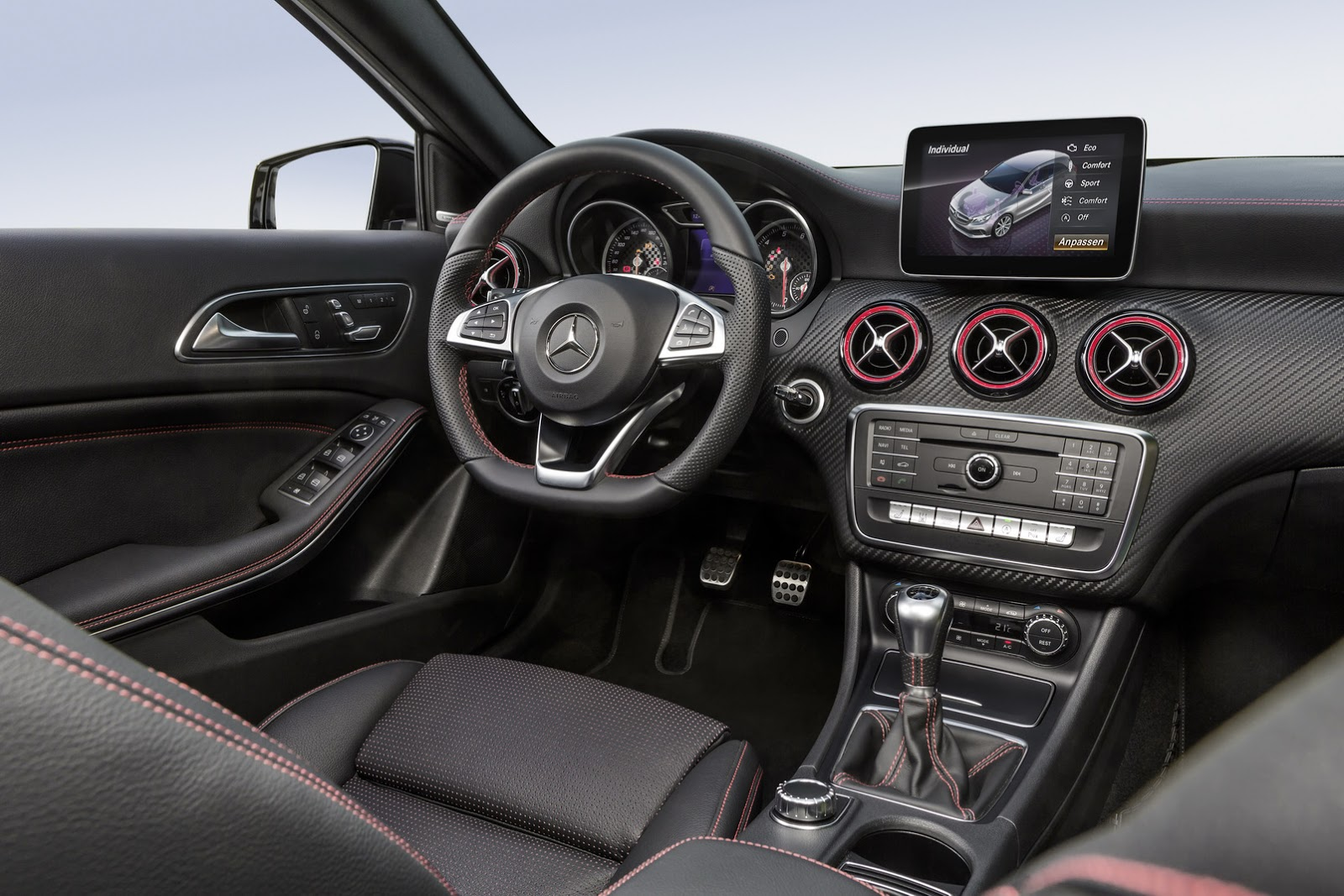 2016 mercedes benz a class with facelift official photos for Interieur mercedes classe a