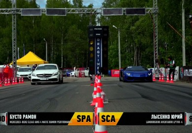 Mercedes-Benz CLS63 AMG Goes Up Against A Lamborghini Aventador