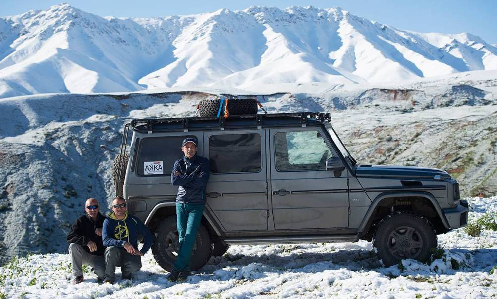extreme adventure for the mercedes benz g class with mike horn a mercedes. Black Bedroom Furniture Sets. Home Design Ideas