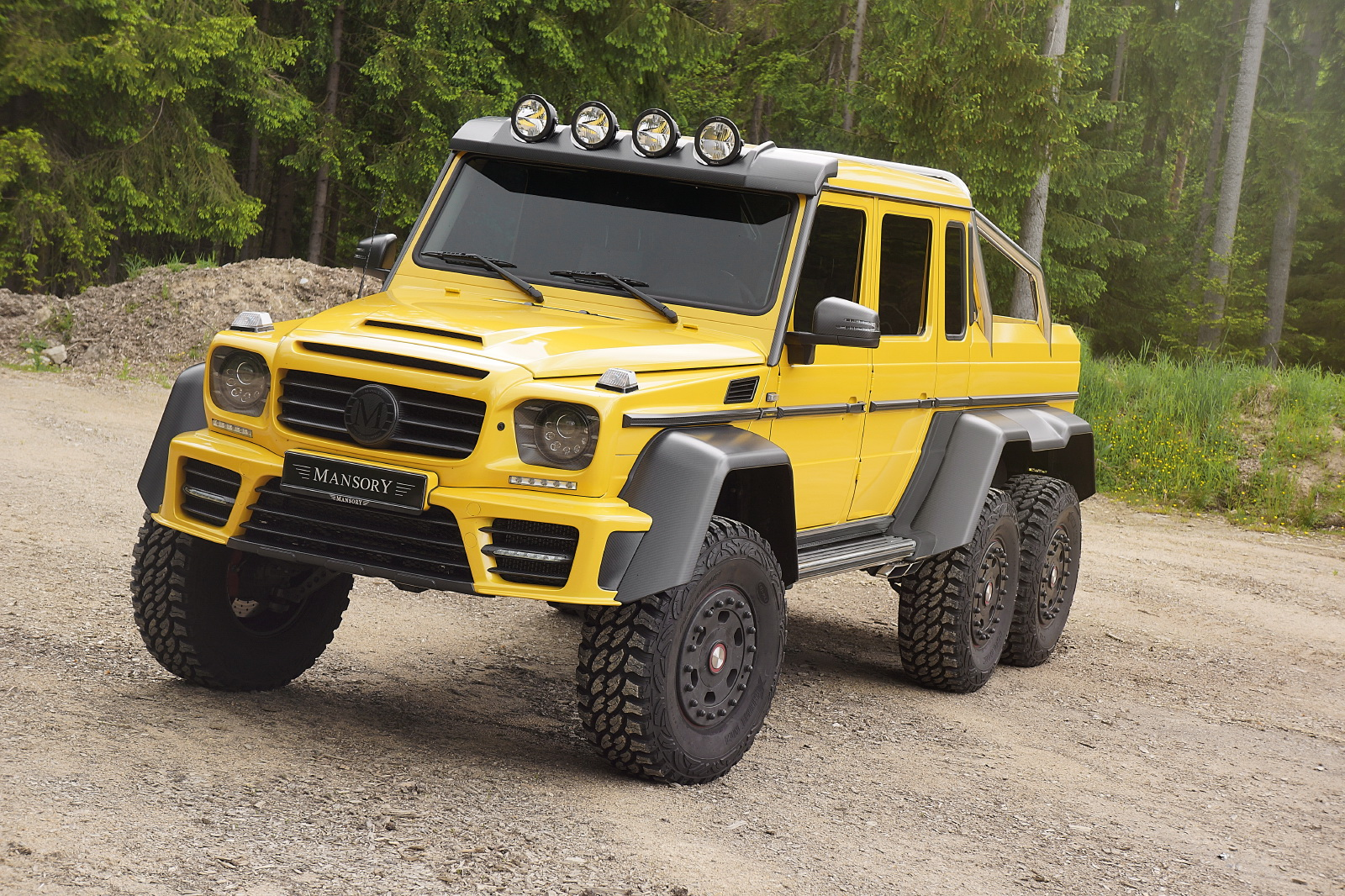 Check out what mansory did to the mercedes g63 amg 6x6 for Interieur lada niva