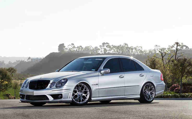 This mercedes e55 amg is crazily fast for Mercedes benz e 55 amg