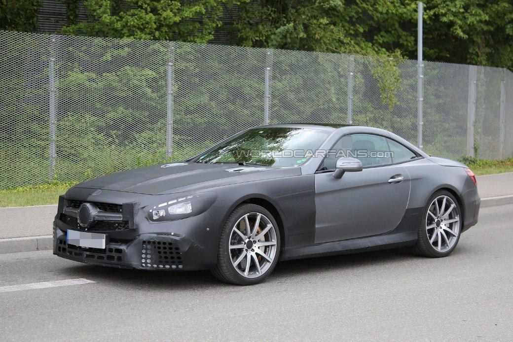 Face-Lifted Mercedes-AMG SL63 Spotted