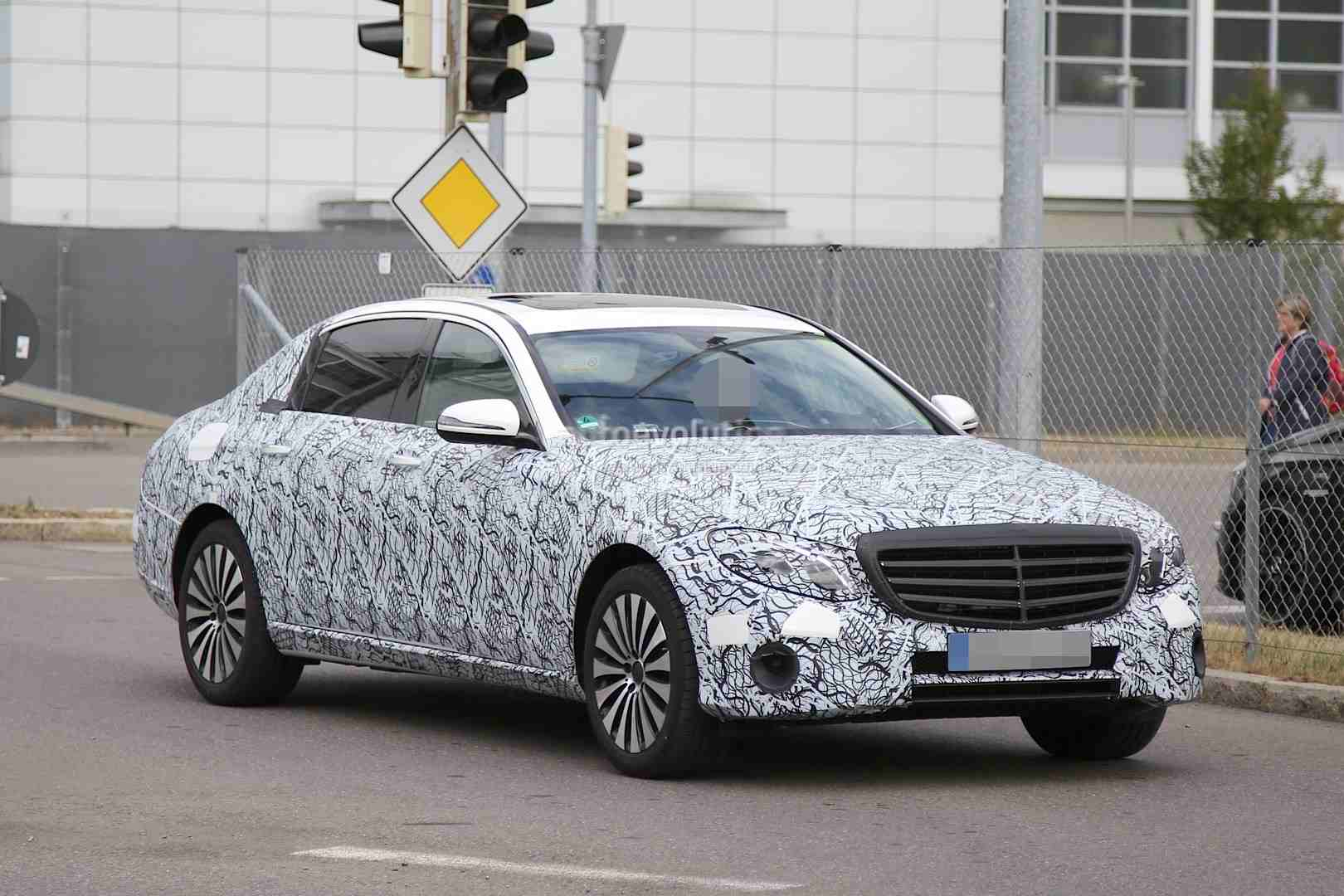 Photos Of Mercedes Maybach E Class Spotted