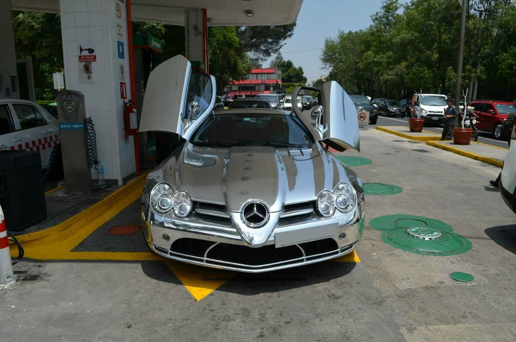 Check Out This Mercedes-Benz SLR McLaren Fully-Wrapped In Chrome