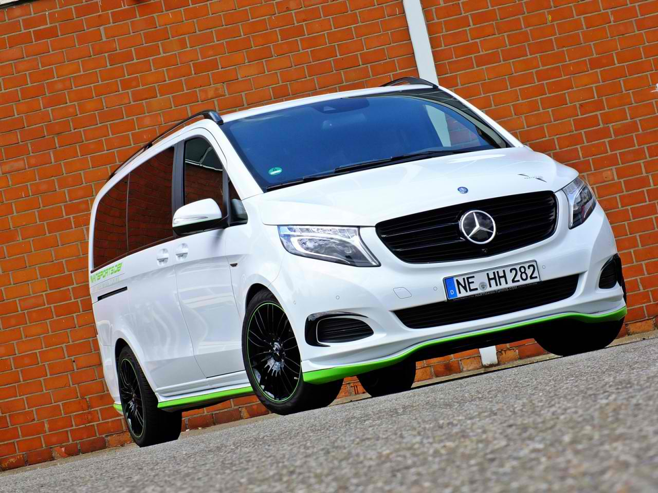 hartmann tunes the mercedes benz v class. Black Bedroom Furniture Sets. Home Design Ideas