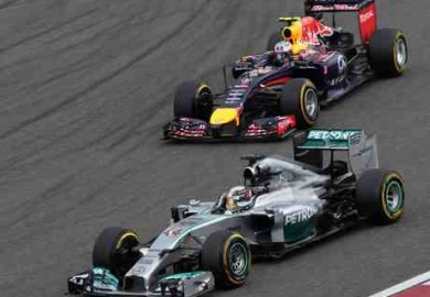 mercedes vs red bull