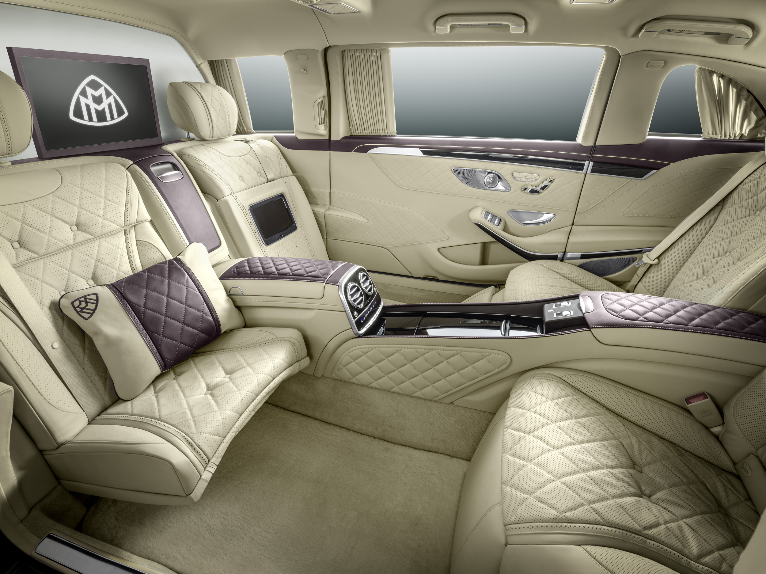 2018 maybach pullman. Interesting Pullman 2018 MercedesMaybach Pullman 4 Inside Maybach Pullman Z