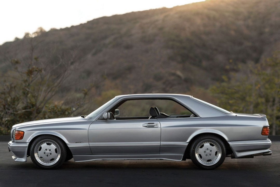 Rm sotheby s to auction a 1989 mercedes benz 560 sec wide for Mercedes benz 560 sec