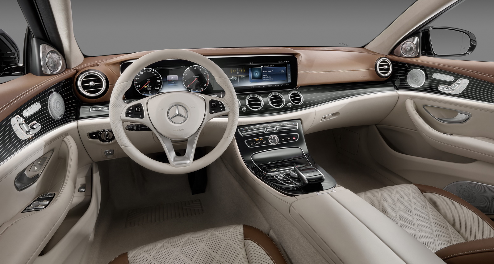2017 mercedes benz e class dashboard shown at ces. Black Bedroom Furniture Sets. Home Design Ideas