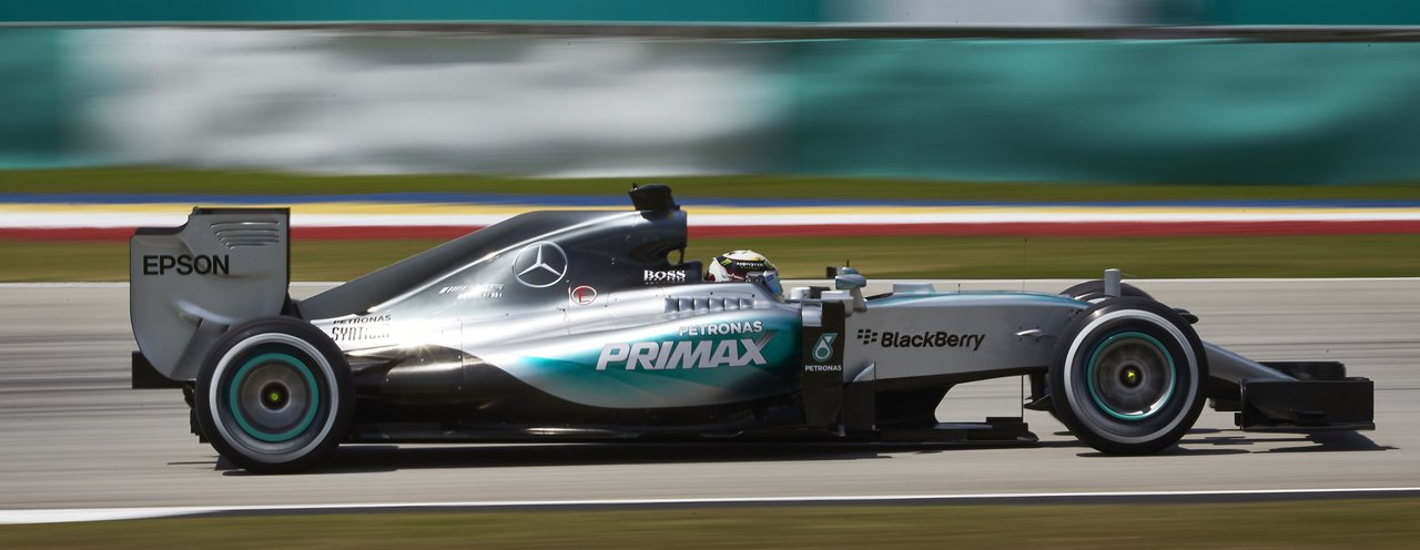 Mercedes says engines will be louder in 2016 f1 season for Mercedes benz f1 car