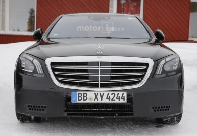 Lightly Camouflaged Mercedes-Benz S-Class Spotted