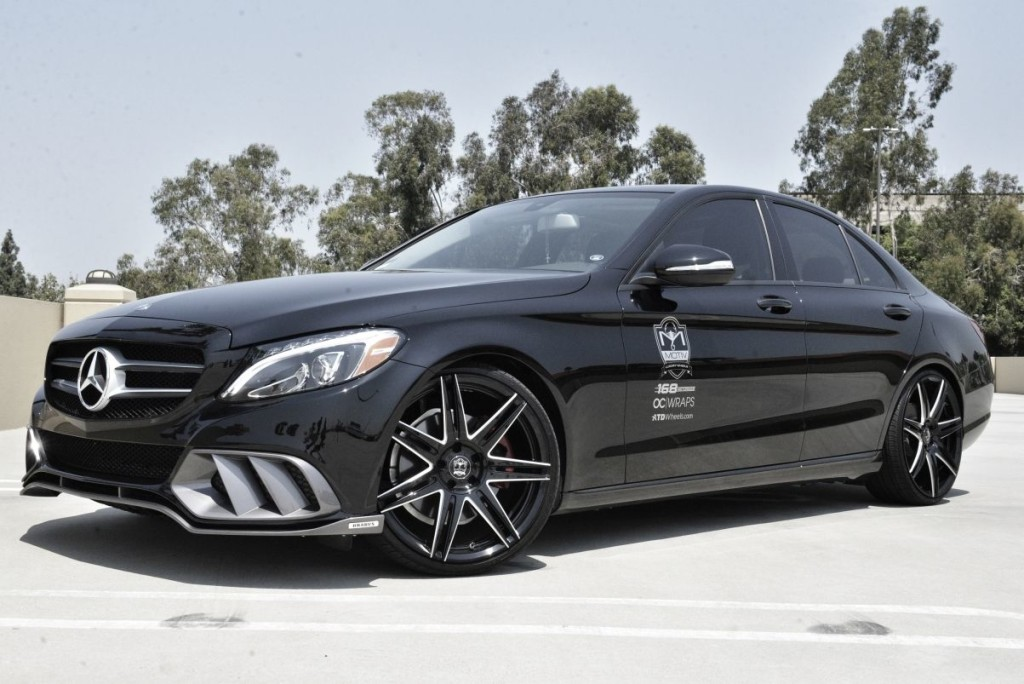 Awesome photos and video of the mercedes benz c class for Benz mercedes c class