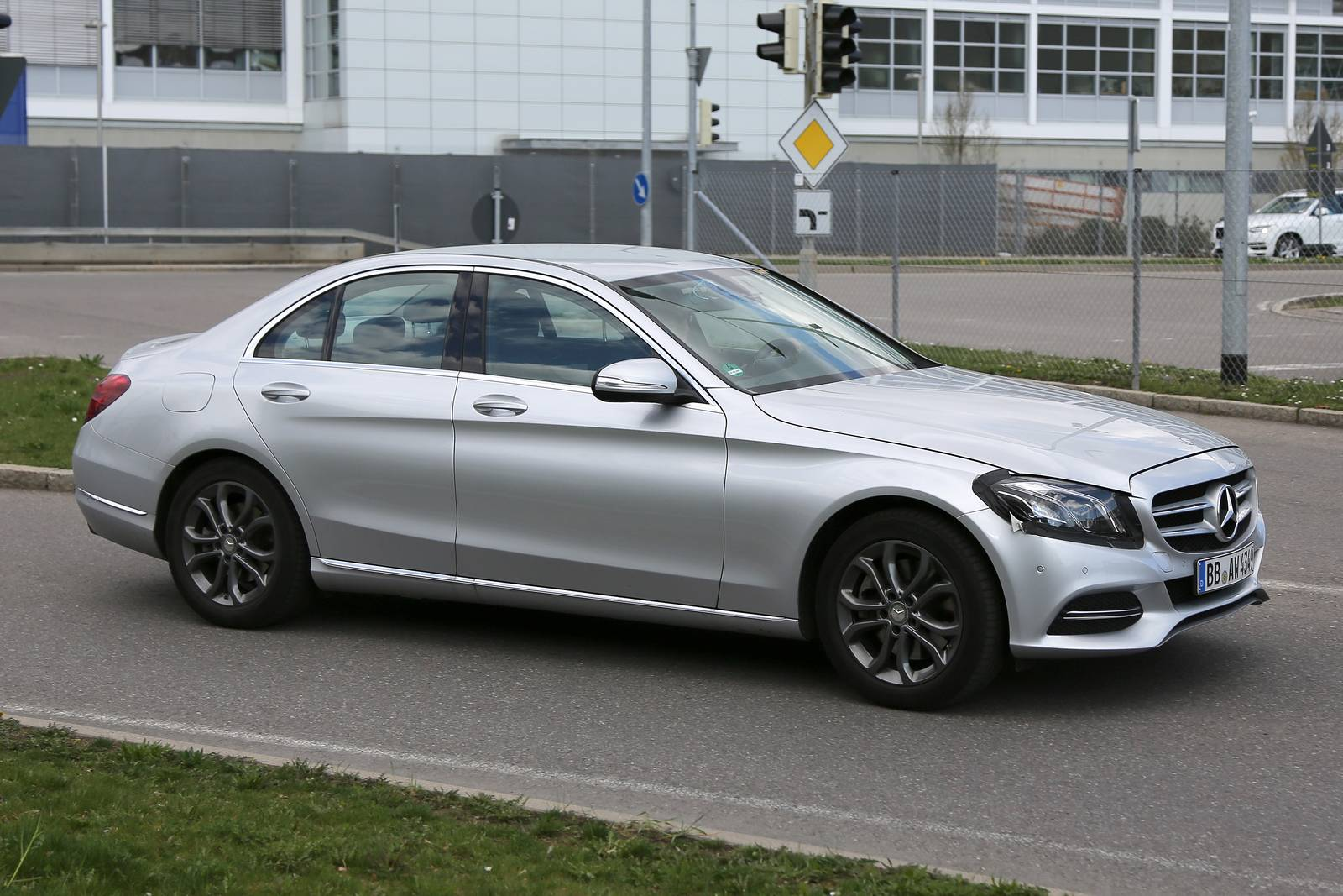 Facelifted mercedes benz c class spied for Mercedes benz c class models