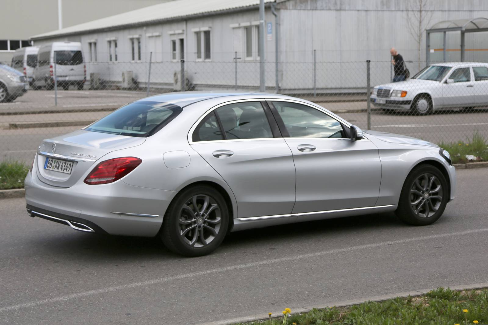Facelifted mercedes benz c class spied for Mercedes benz c class c350